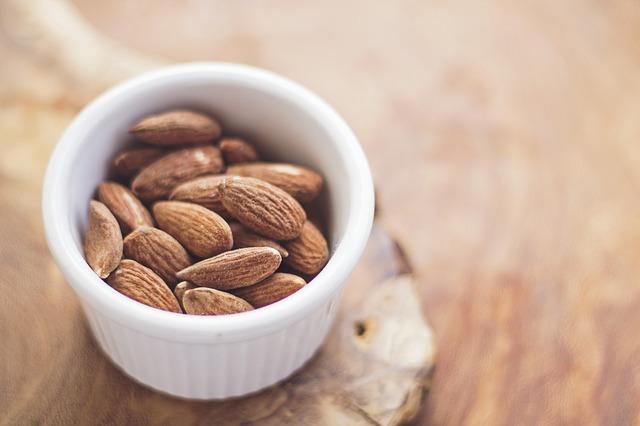 raw_nuts_alkaline_diet